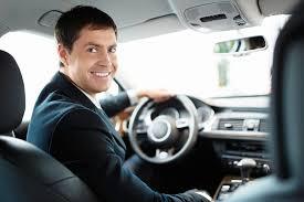 Преимущества проката автомобиля с водителем