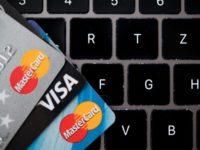 В Крыму прекращен выпуск карт Visa и MasterCard