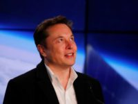 Жители Казахстана просят Илона Маска построить зарядные станции в стране