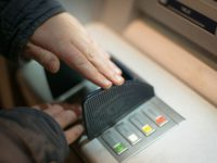 Стала известна модель банкоматов, принимающая купюры «Банка приколов»